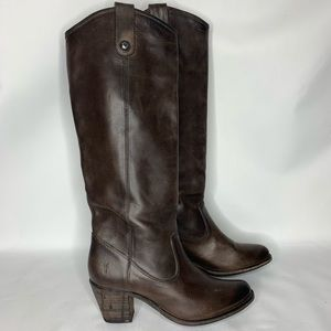 Frye Melissa dark brown heeled, size 8B button